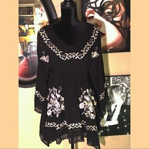 Monoreno Tops - Gorgeous  Embroidered Tunic